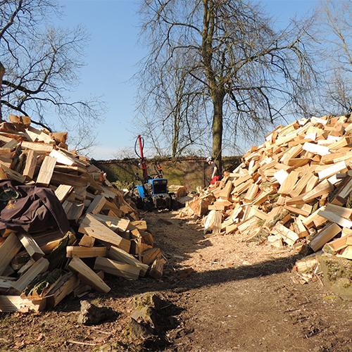 Fente de bois de chauffage pour livraison à Nivelles